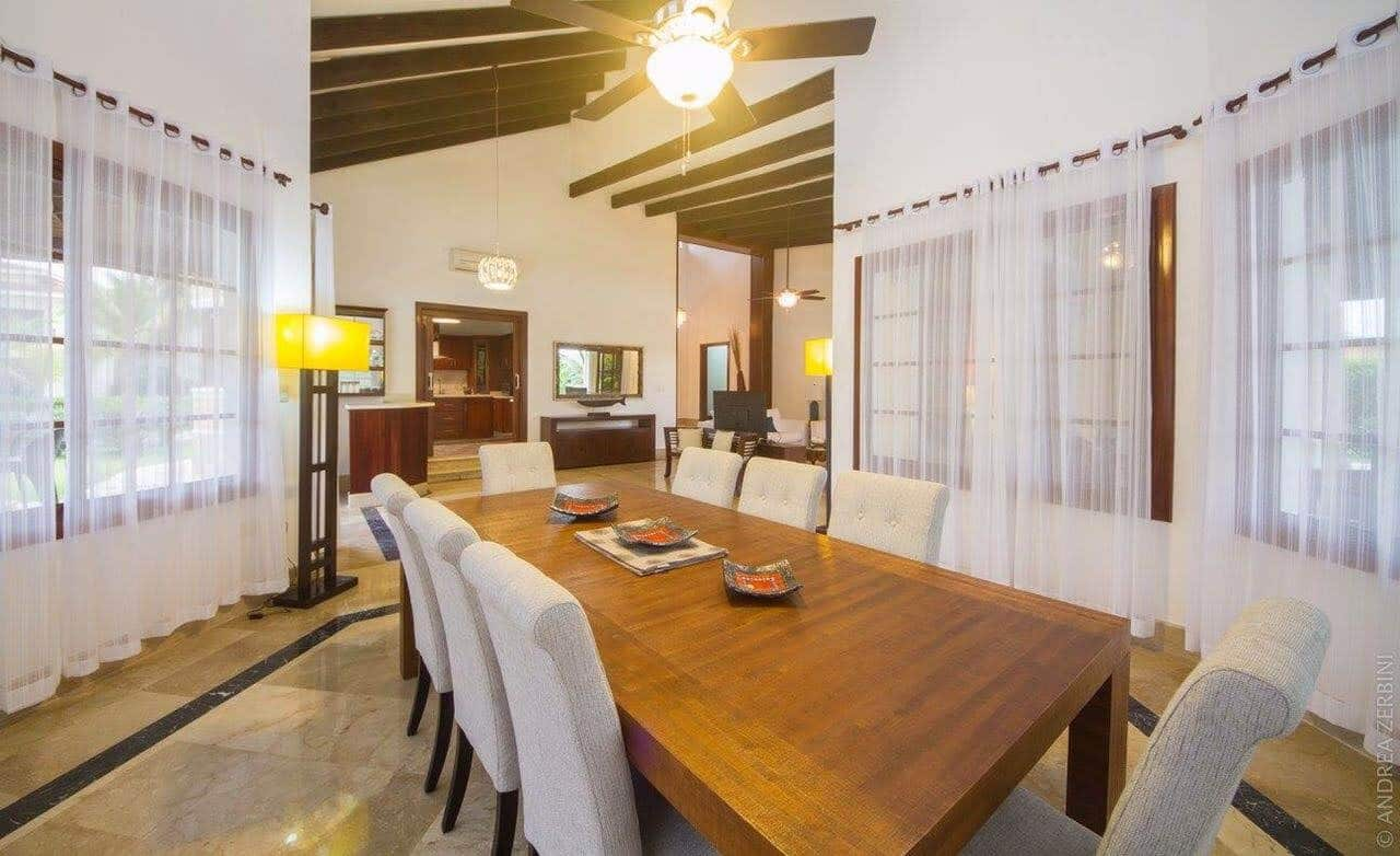 villa dining room