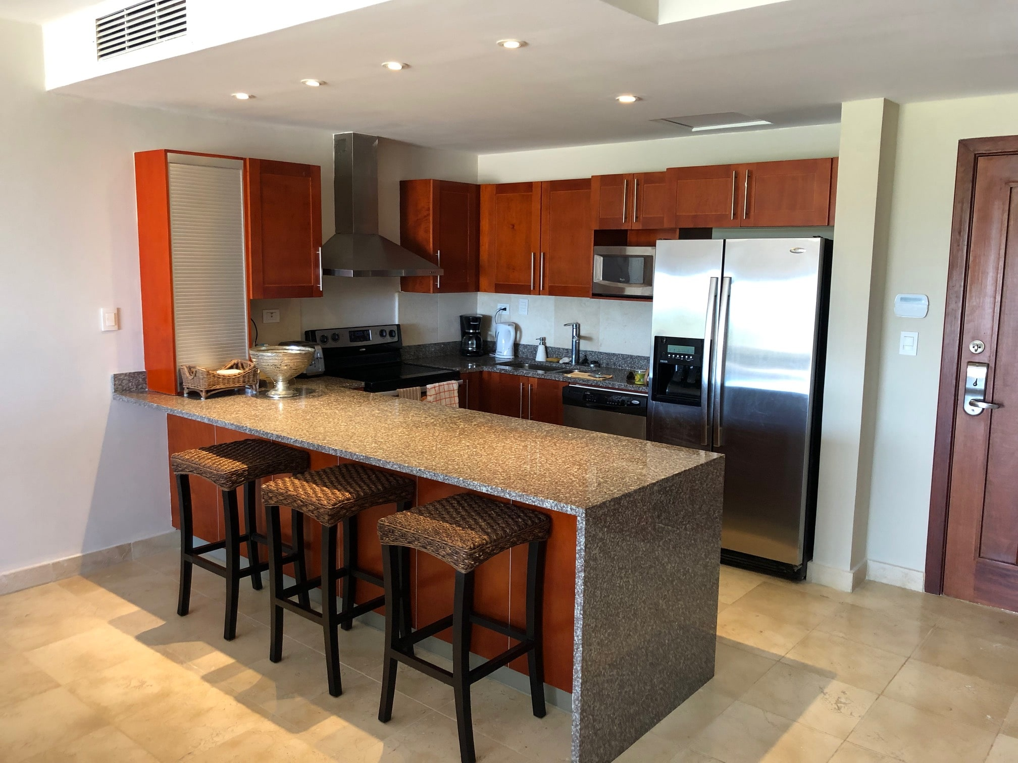 punta palmera condo kitchen