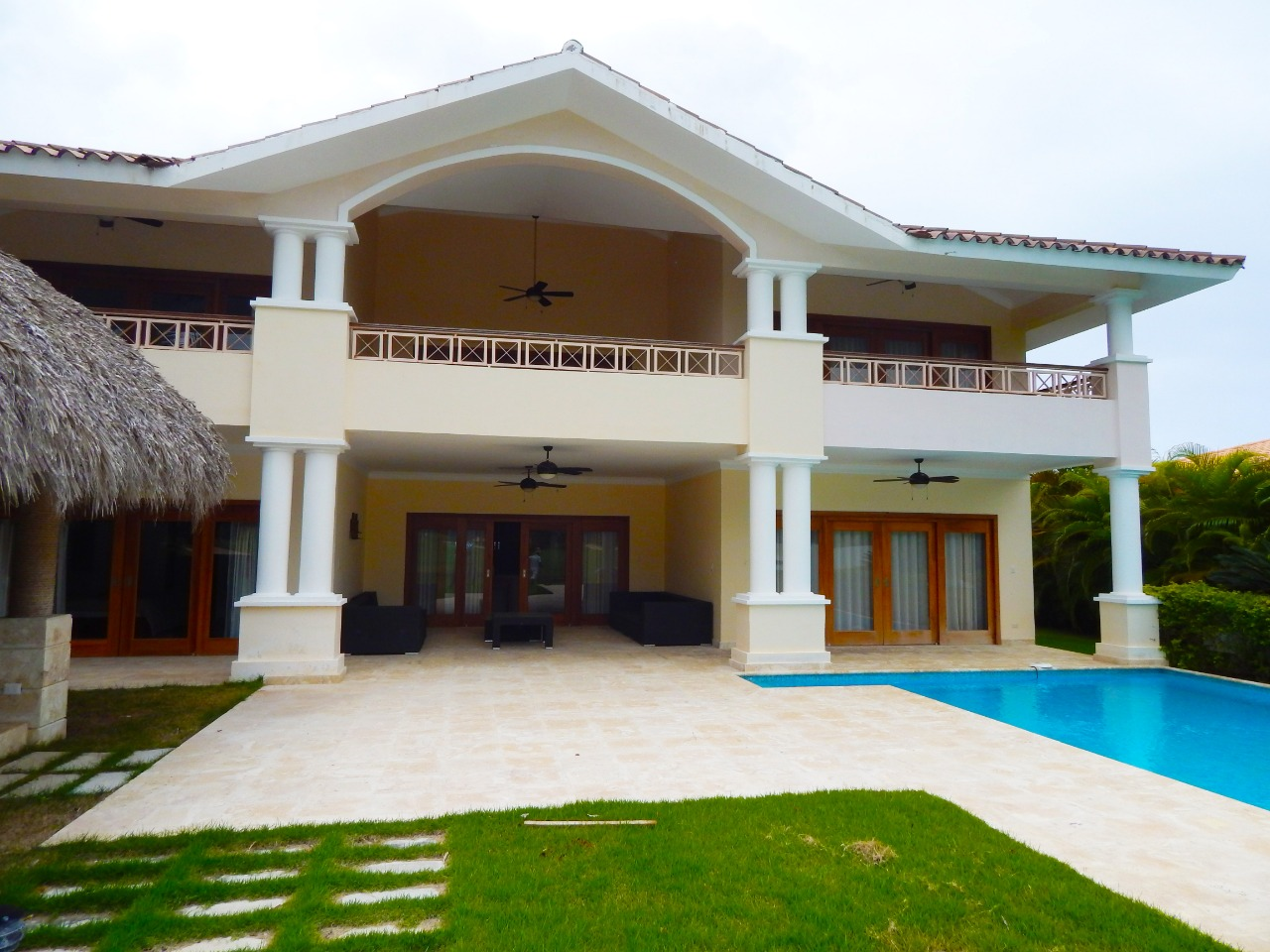 cocotal villa for rent private pool